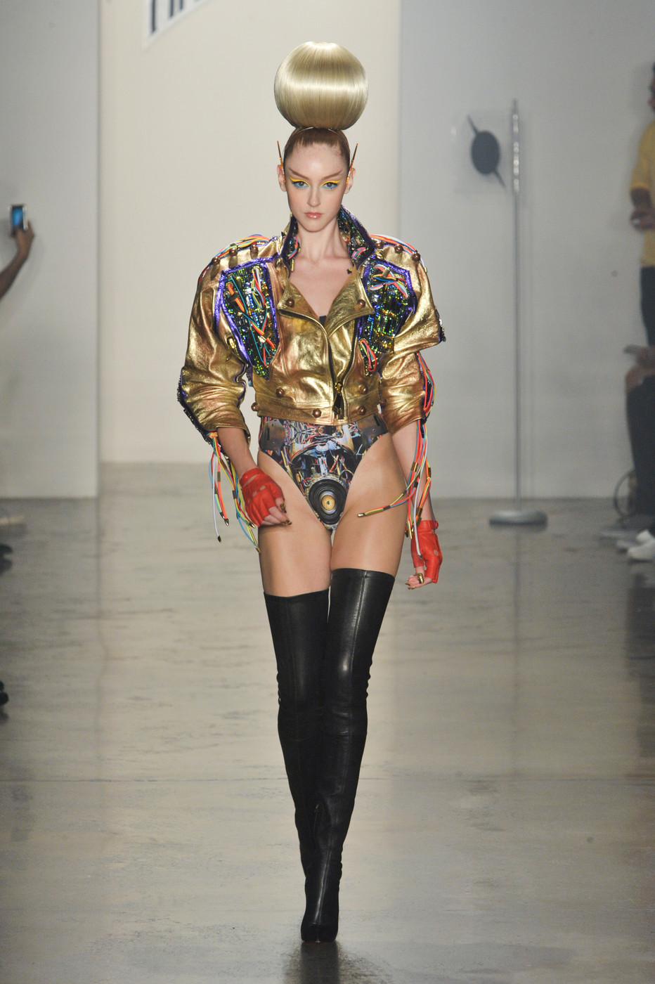 The_Blonds_Spring_2014_VZoia_O9_Ch39x