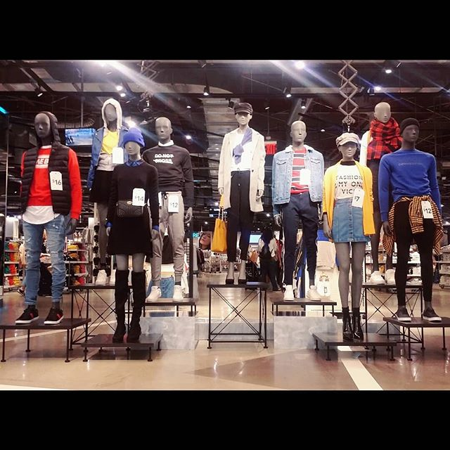 #tbt to our last entrance update. Rebel Girl meets 90s Sports. Stay tuned for pics from our latest update as we bid farewell to summer style and welcome the fall with open, sweater covered arms. #powerofvm #primarkvm #primarkvmteam #throwbackthursday #rebelgirl #90ssports #styling #visualmerchandising #vm #ilovemyjob #primarycolors #ootdinspirations #layering #details #hisandhers #primania #goodbyesummer #backtoschool