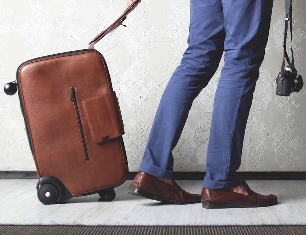 Daard-iby6-6-Wheel-Rolling-Suitcase-09.jpg