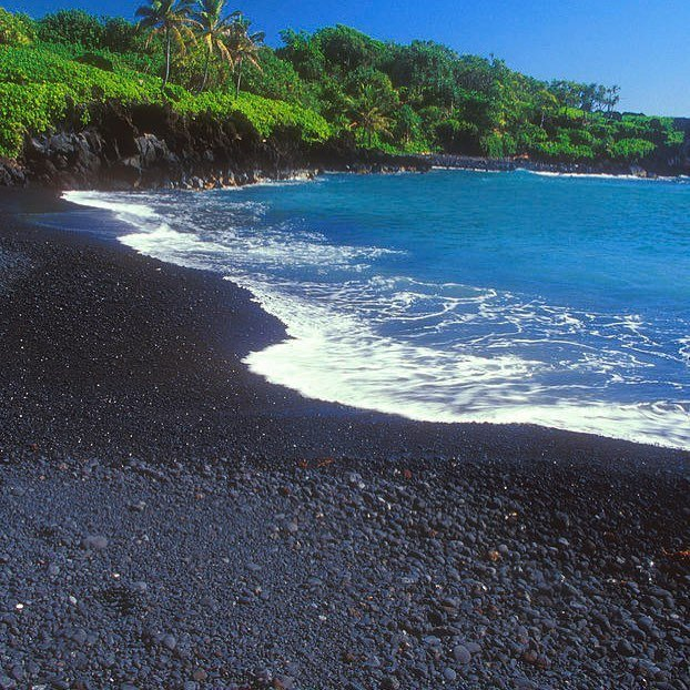 Black Sand Beach, Road to Hana, Maui, Hawaii by @Mlrosner1