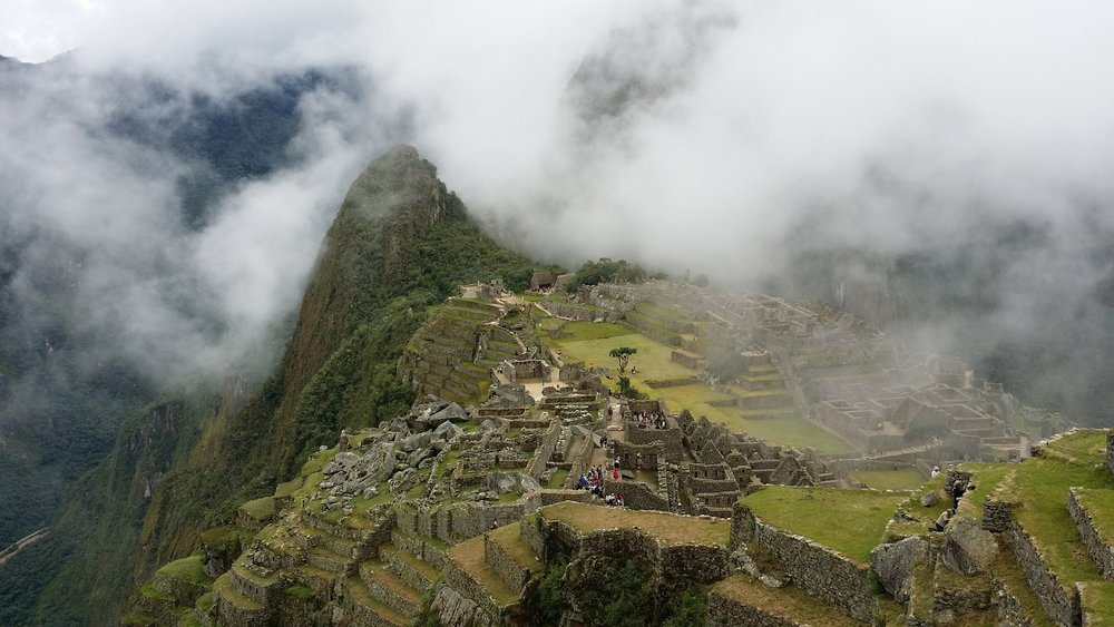 3. Inca Trail, Peru, South America - This unforgettable trail located in the Andes mountain range terminates in Machu Picchu, and typically takes hikers a good four to five days to complete. It spans 26 miles, and includes a lush cloud-forest, mountain scenery, jungle, and even Inca ruins and tunnels! The trails are also lined with beautiful natural orchids, adding vibrant color to the already stunning view.