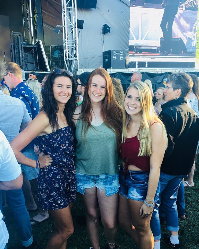 All we see are smiles up at North Stage! What's better than a summer concert with your best friends?!? #partywithapurpose