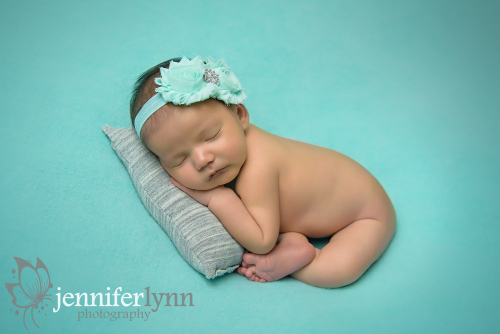 Newborn Girl Mint with Grey Pillow