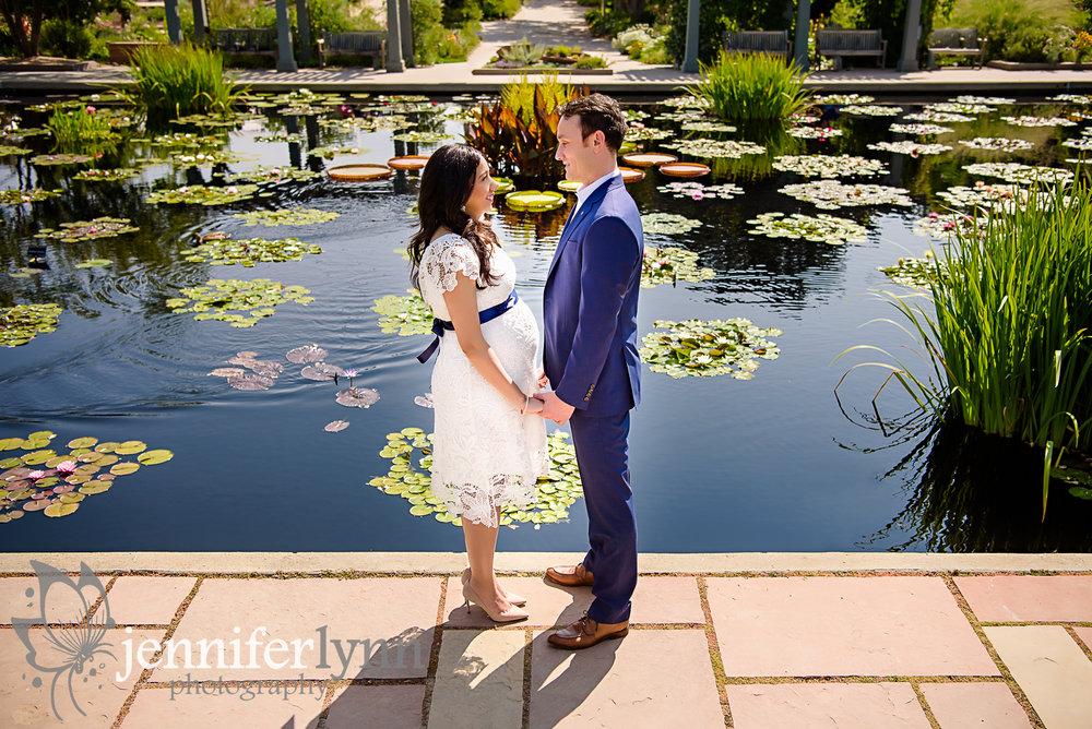 Matenrity Couple Lily Garden