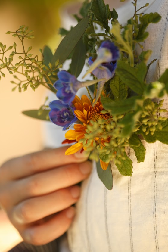 mum. geranium. eucalyptus.