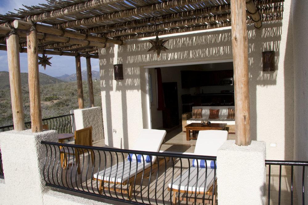 Guestrooms_Suite_Terrace.jpg