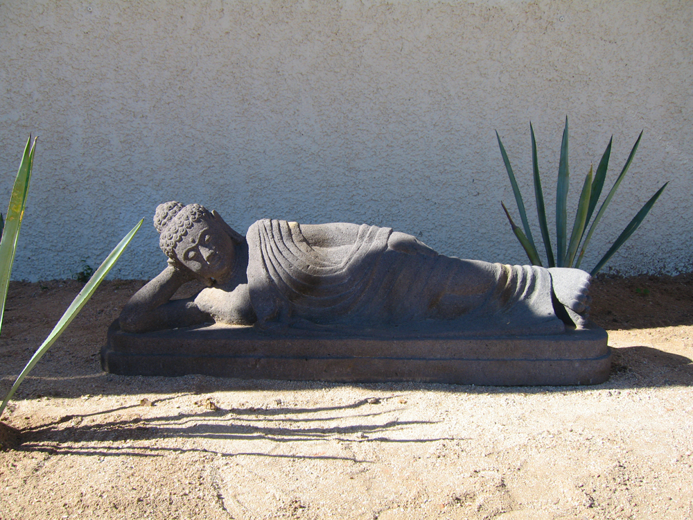 Garden_Buddha_Reclining.jpg