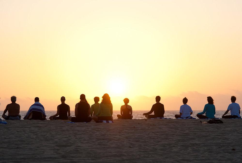 gallery_people_beach_meditation_sunset2.jpg