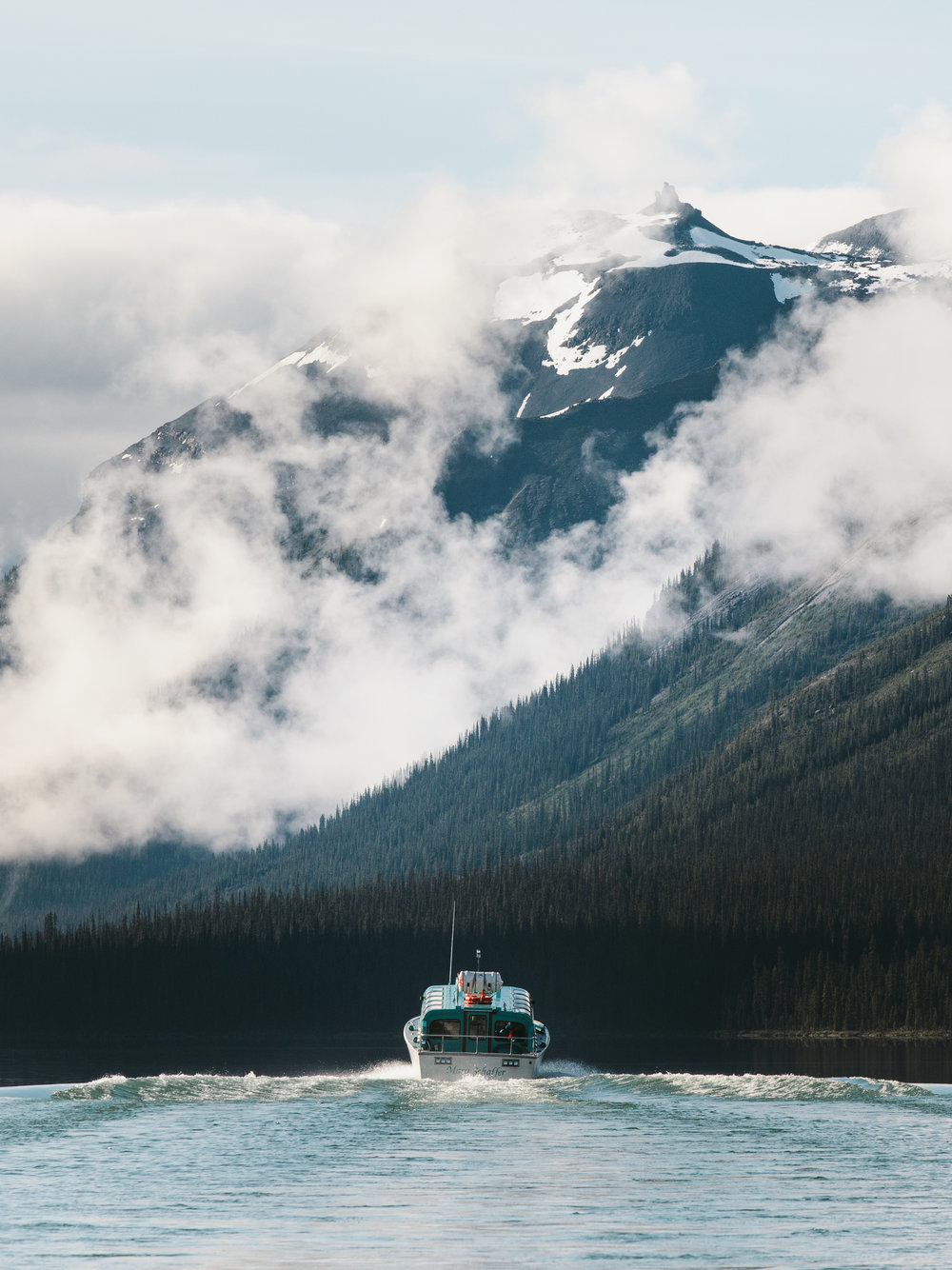 MikeSeehagel_EH_Pursuit_MaligneLakeBoat-02_5D4_5855.jpg