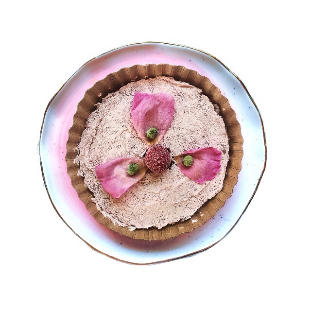 Breakfast Berry Tartlet - No Sugar Added - LIMITED EDITION - AVAILABLE NOWGLUTEN FREE OPTION AVAILABLENOT SOLD IN STORESOrder a 10 pack each month to get this tartlet in your box.Wheat berries from Dunbar Farms in Medford, OR, steel cut oats & quinoa from the PNW, a mix of our farm fresh berries, fromage blanc from By George Creamery in The Little Applegate Valley, peas and rose petals.Serving suggestions – For an extra treat add chopped nuts,  ground flax or pumpkin seeds, maca or matcha powder, cacoa nibs, fresh rose petals, extra fruit or a drizzle of local honey.