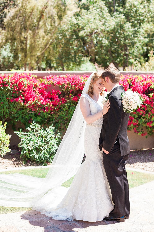 Val Vista Lakes Wedding Photos _ Scottsdale Wedding Photos _ April Maura Photography _ www.aprilmaura.com_0945.jpg