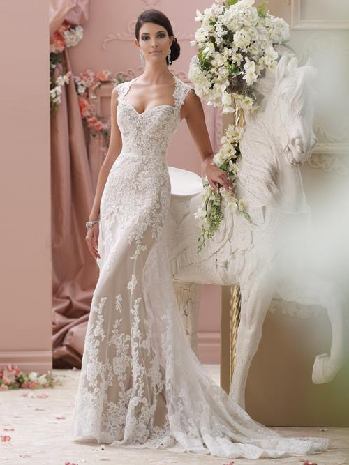 David Tutera  115229 Color: IV MOCHA Size: 6 Retail    Price: $1,573 Our Price: $1,101   Las Vegas Location