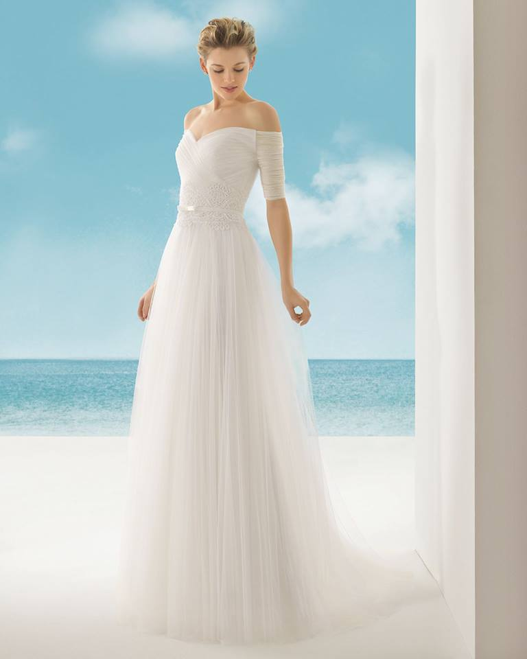 Rosa Clara, Vivaldi Ivory, Size 10 MSRP: $2,450 Our Price: $1,715 Denver Location
