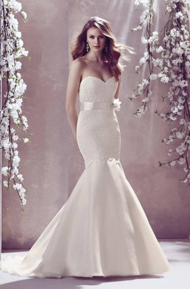 Mikaella 1807 Ivory, Size 10 MSRP: $1999 BB Price: $1392 Denver Location