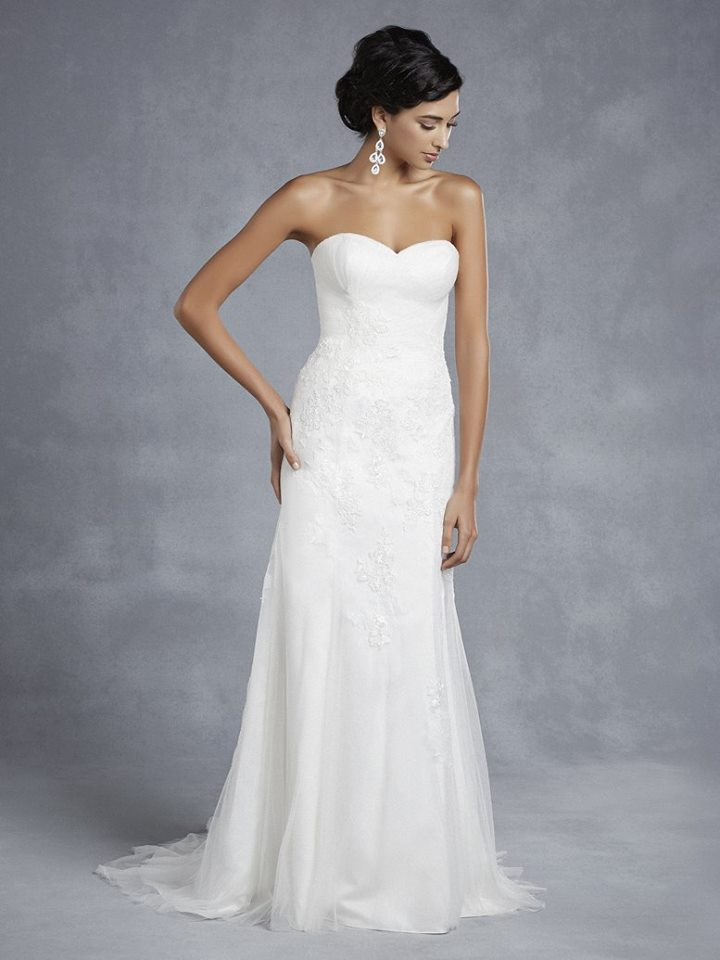 Beautiful by Enzoani BT15-14 Size 12 Ivory Retail price $1080 Our Price $756 East Valley Store