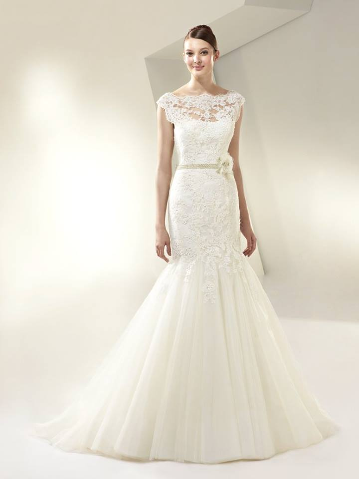 Beautiful by Enzoani BT14-13 Size 12 Ivory Retail Price $1,350 Our Price $945 Phoenix Store