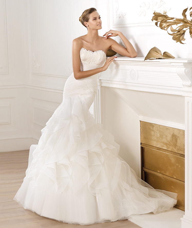 2843d181ed1 Pronovias Ledurne Off White Size 22 Retail Price  2220