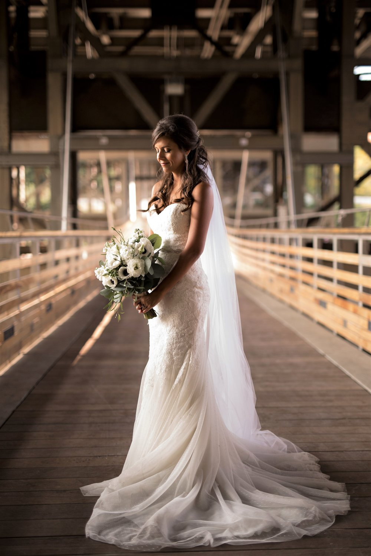 Wunderbar Wedding Dress Rental Los Angeles Fotos - Brautkleider ...