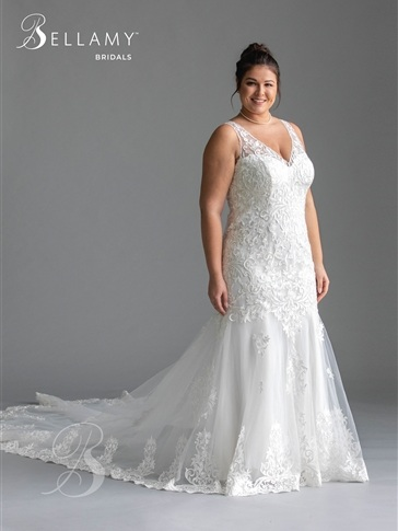 Fitted+Lace+Plus+Size+Wedding+Dress+at+Brilliant+Bridal