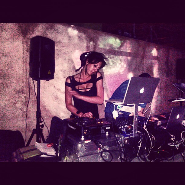 DJ LindseyBell.jpg