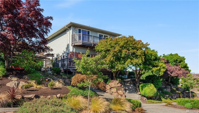 **2502 W Armour St, Seattle   $1,075,000