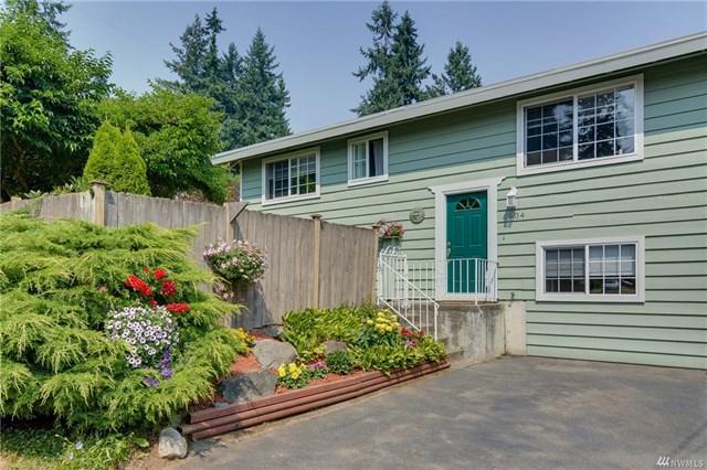 **1904 N 140th St, Seattle   $599,300