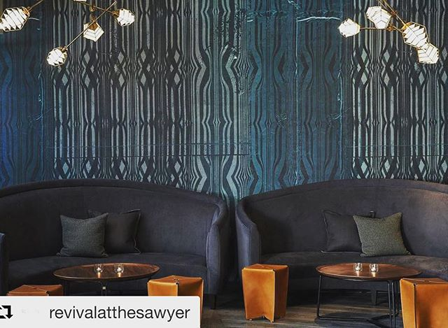 VIP booths at #revivalsacramento  with lovely lighting by @neptune_glassworks .. .. .. .. .. .. .. .. .. .. .. .. .. .. #bardesign #vipseating #sacramento #sacramentokings #poolparty #cocktailbars #designerlife #wallpaper #lightingdesign #chandeliers #lounge #interiordesign #bestbars #kimptonsawyer #kimpton