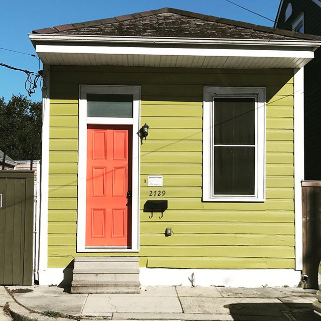 The colors are inspiring in the #bywater .. .. .. .. .. .. .. .. .. .. .. #nola #neworleans #bohemian #architecture #colorinspiration #alwaysbedesigning #louisiana #exploring #neiborhoods #interiordesign #designerlife