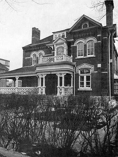 Dalnavert was a boarding house for nearly 40 years after Hugh John Macdonald passed away. /Dalnavert Archives