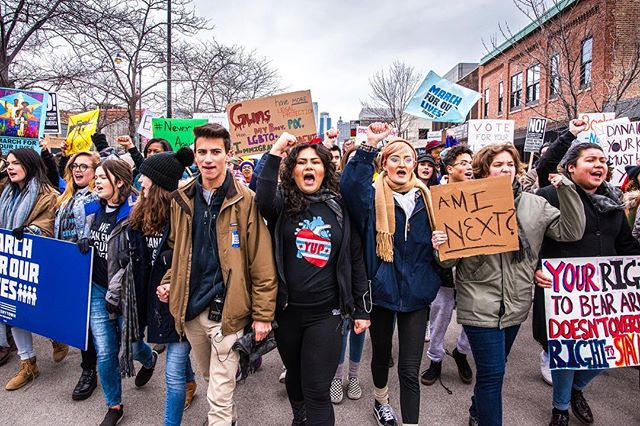 Thousands of people marched at Union Park to put an end to gun violence @marchforourlives - Shot for @timeoutchicago . . . . . #marchforourlives #protest #chigram #chicago #banguns #thisiswhatdemocracylookslike #timeoutchicago #natgeo #streetphotography #eventphotographer #nikon #nikonartists #sigma #landscape #citylife