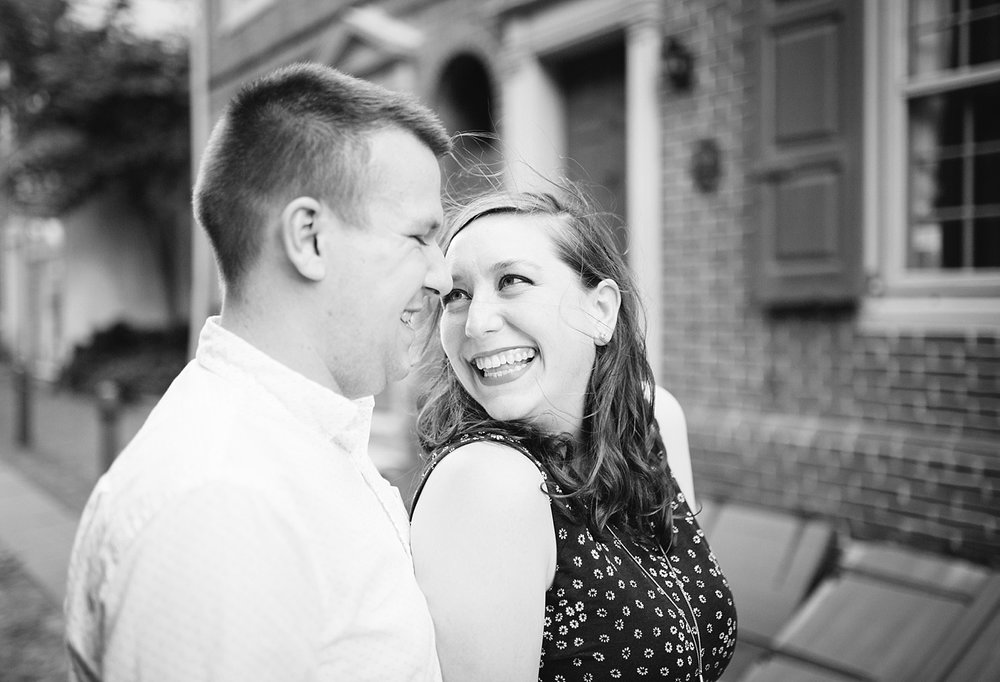 lizandbrandon_oldcity_philadelphia_elfrethsalley_engagement_session_image008.jpg
