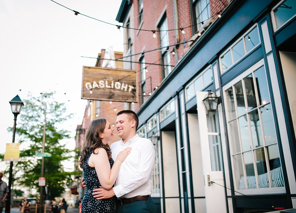 lizandbrandon_oldcity_philadelphia_elfrethsalley_engagement_session_image027.jpg