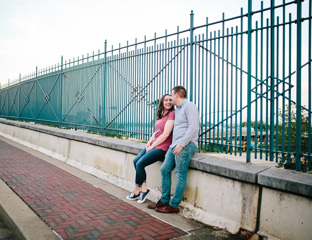 lizandbrandon_oldcity_philadelphia_elfrethsalley_engagement_session_image031.jpg