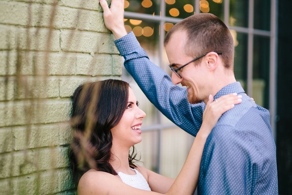 samanthaandrew_baltimore_engagement_session_image015.jpg