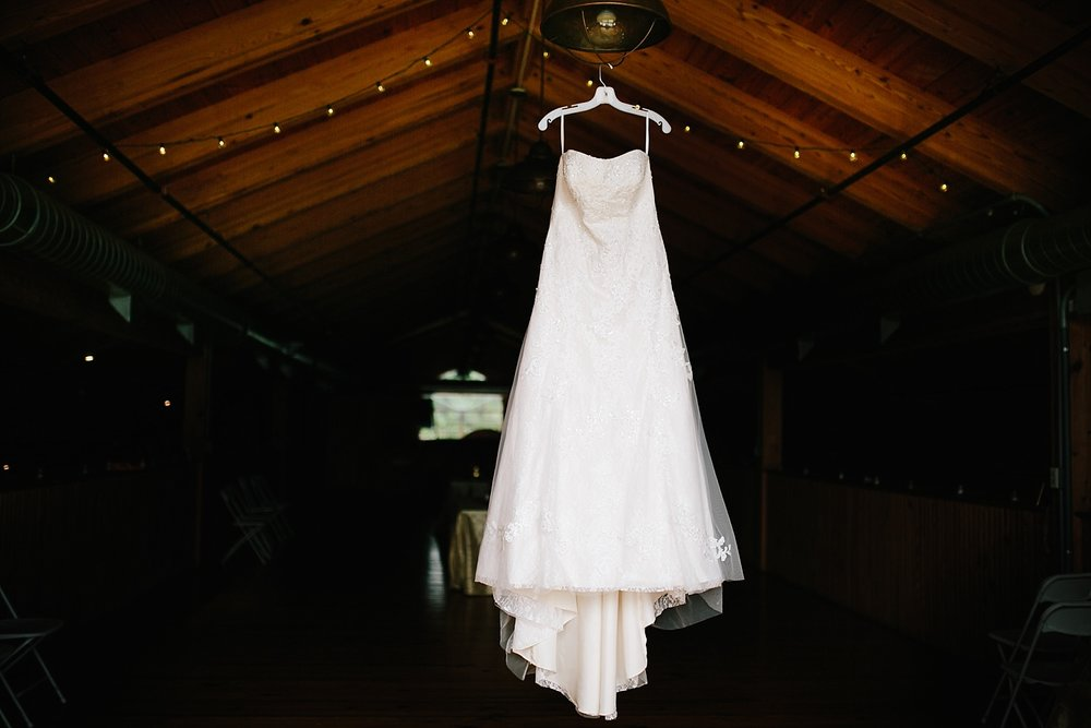 lizbrandon_rosebankwinery_newtown_summer_wedding_image_004.jpg