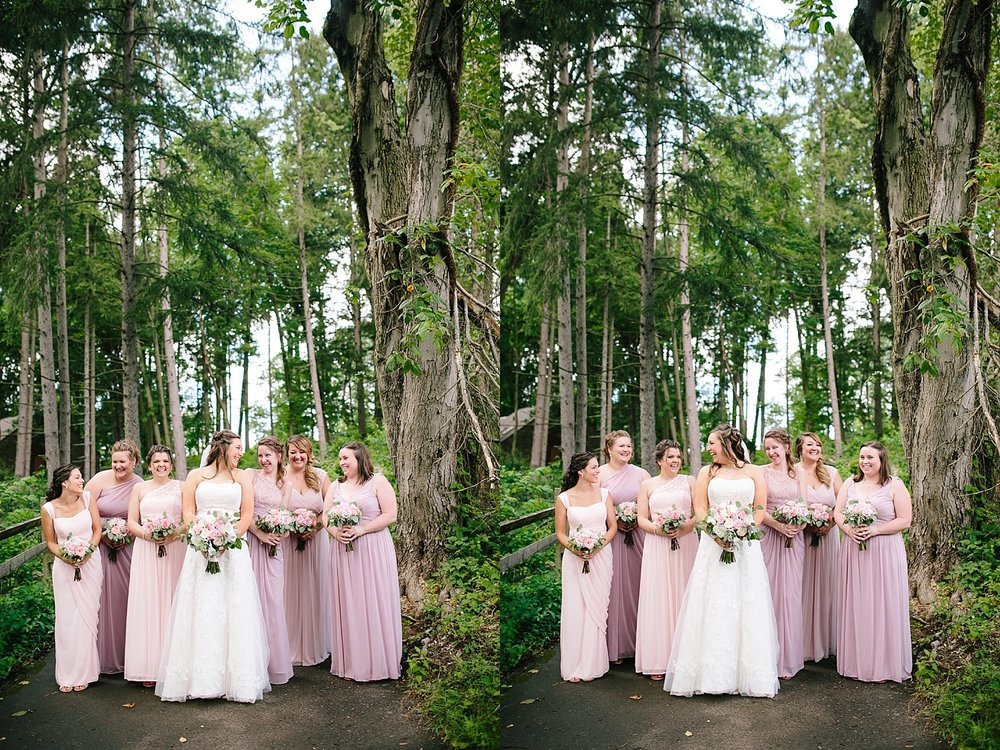 lizbrandon_rosebankwinery_newtown_summer_wedding_image_040.jpg