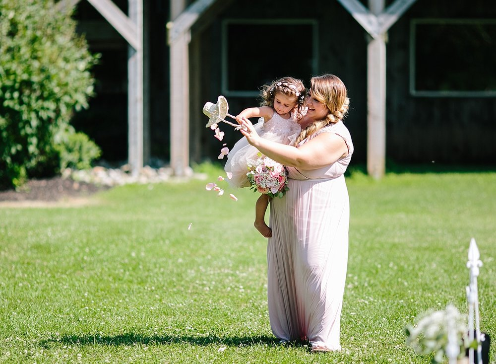 lizbrandon_rosebankwinery_newtown_summer_wedding_image_062.jpg