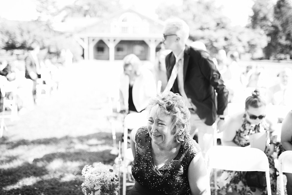 lizbrandon_rosebankwinery_newtown_summer_wedding_image_063.jpg