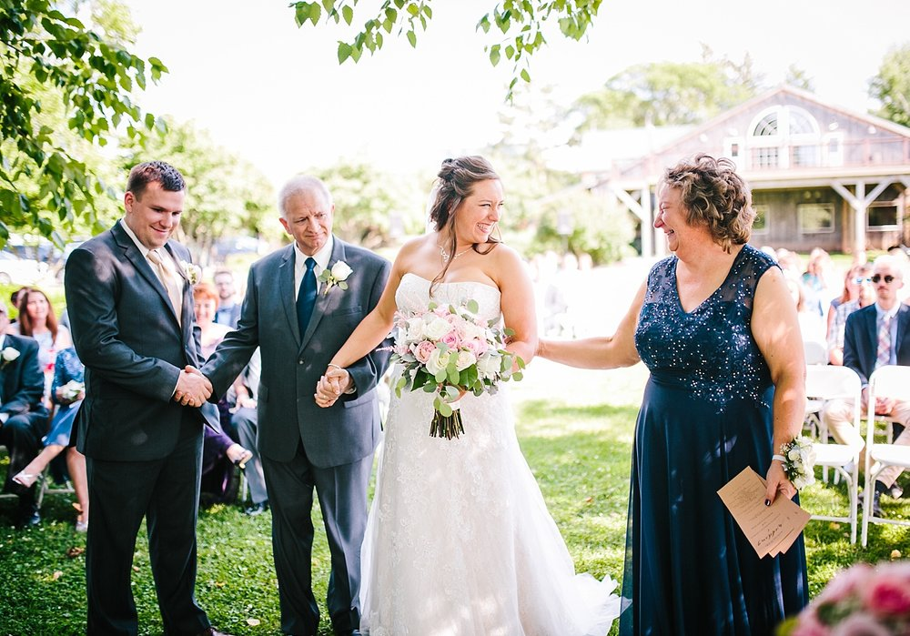 lizbrandon_rosebankwinery_newtown_summer_wedding_image_065.jpg