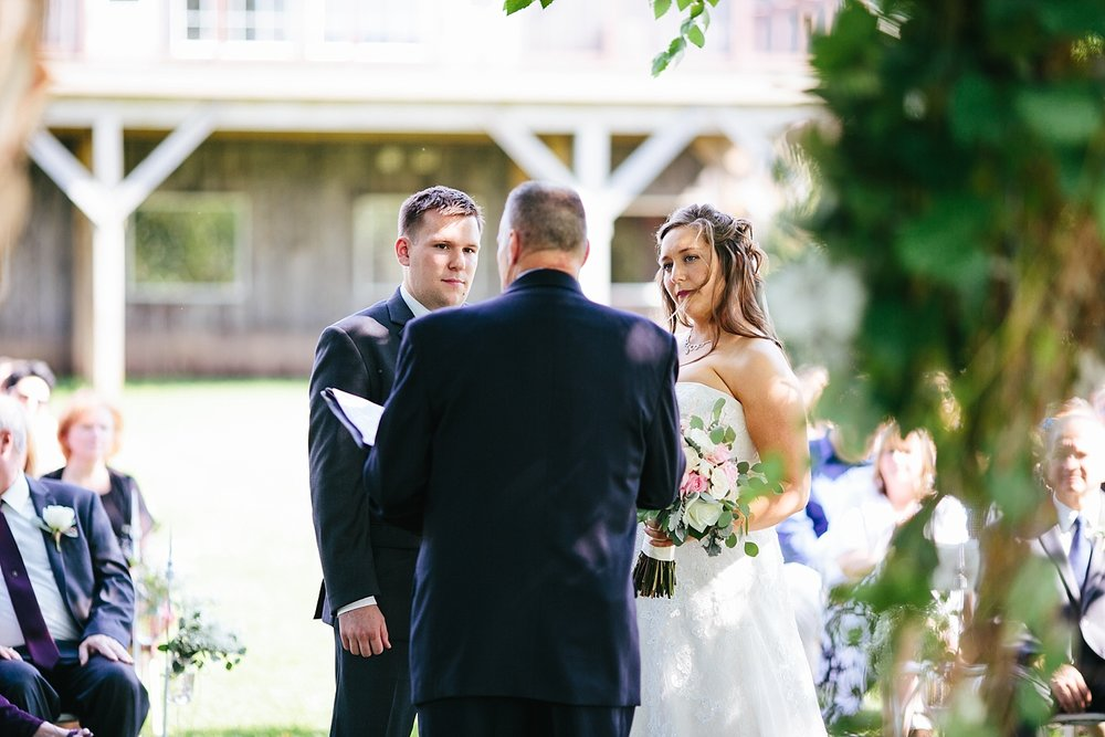 lizbrandon_rosebankwinery_newtown_summer_wedding_image_066.jpg