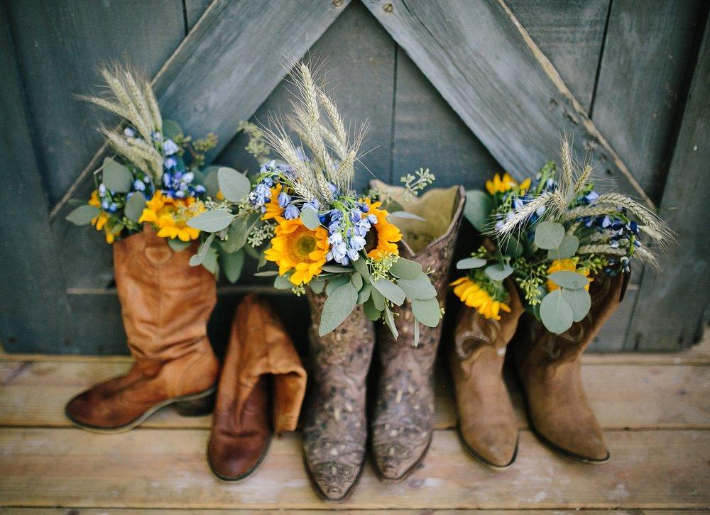 jennyryan_newbeginnings_farmstead_upstatenewyork_wedding_image007.jpg