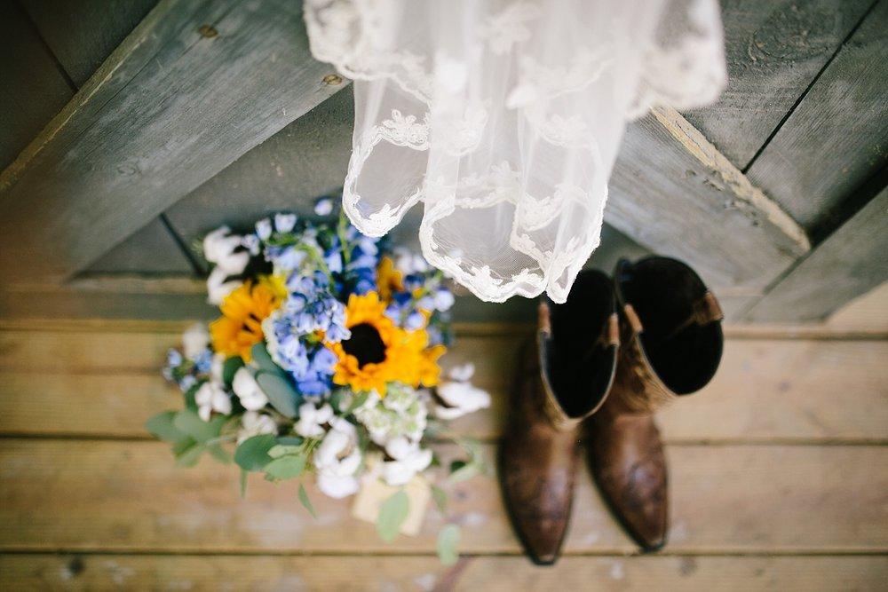 jennyryan_newbeginnings_farmstead_upstatenewyork_wedding_image010.jpg