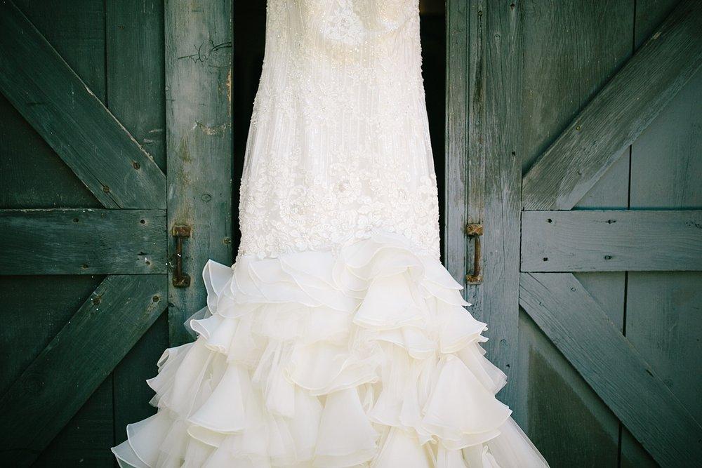 jennyryan_newbeginnings_farmstead_upstatenewyork_wedding_image016.jpg