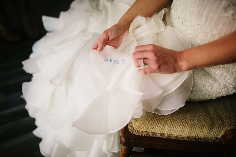 jennyryan_newbeginnings_farmstead_upstatenewyork_wedding_image037.jpg