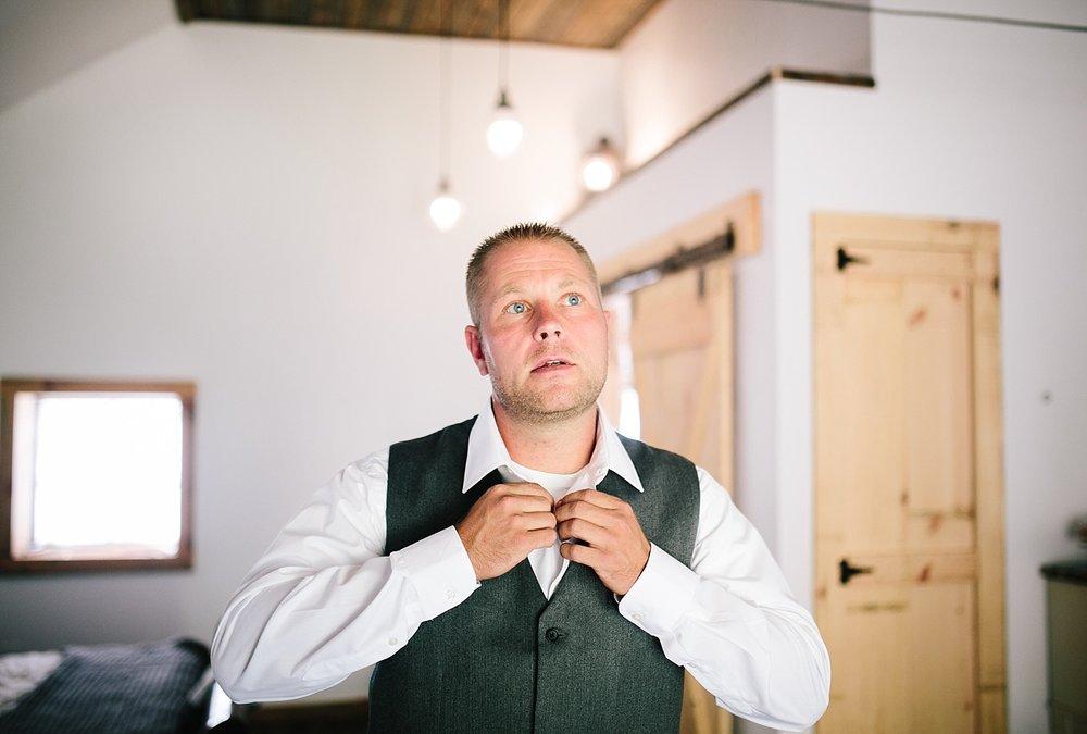 jennyryan_newbeginnings_farmstead_upstatenewyork_wedding_image046.jpg