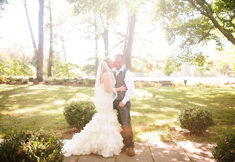 jennyryan_newbeginnings_farmstead_upstatenewyork_wedding_image054.jpg