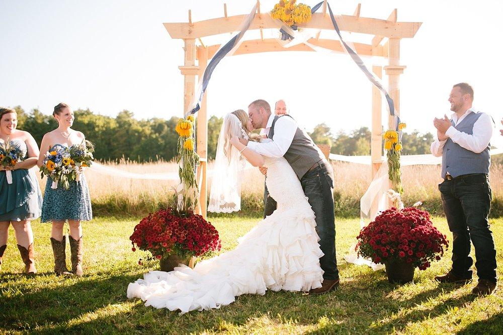 jennyryan_newbeginnings_farmstead_upstatenewyork_wedding_image094.jpg