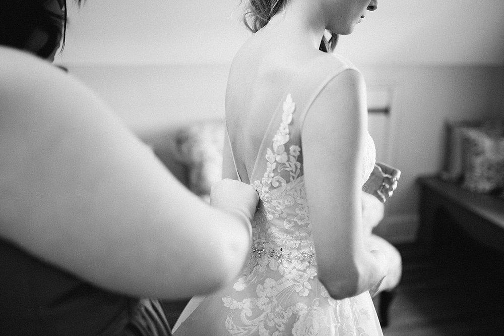 jessdavid_barnonbridge_phoenixville_winter_wedding_image_035.jpg