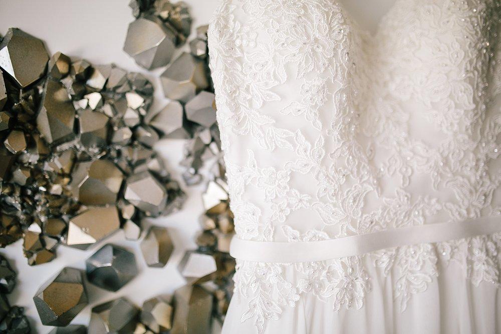 lisajoe_thelogan_philadelphia_artmuseum_wedding_image016.jpg