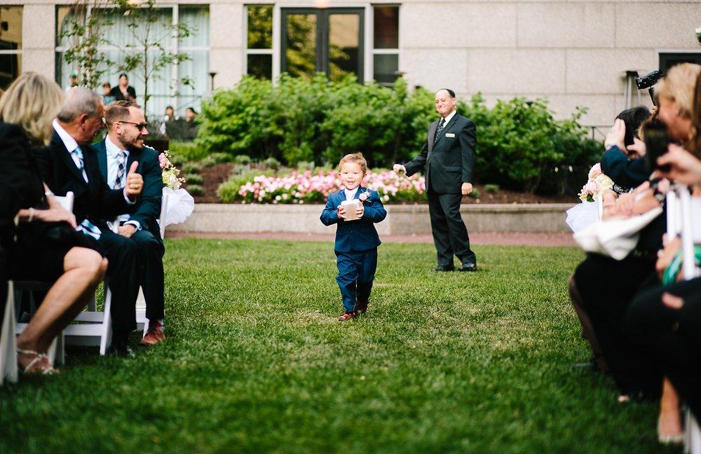 lisajoe_thelogan_philadelphia_artmuseum_wedding_image075.jpg